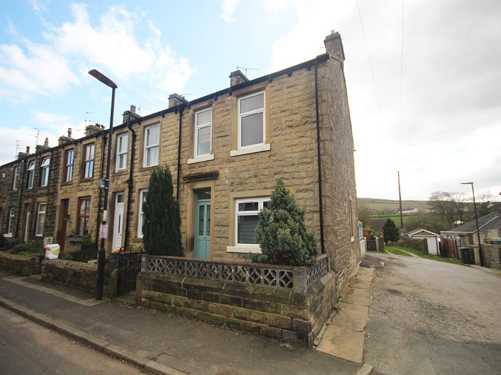 3 bedroom end terrace house Let Agreed in Earby - Property photograph